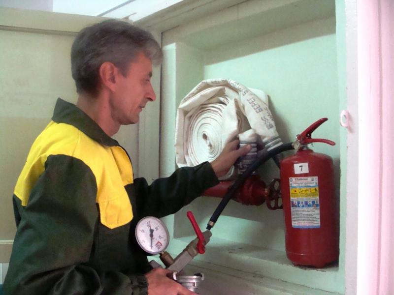 Проверка комплектации пожарного крана