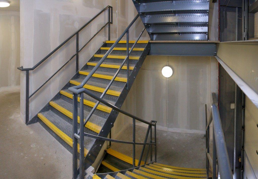 Внутренние пожарные лестницы