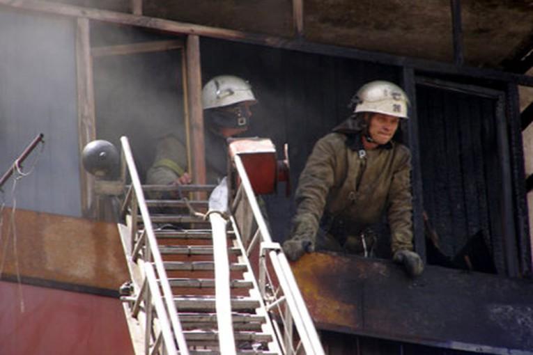 Первые действия при пожаре