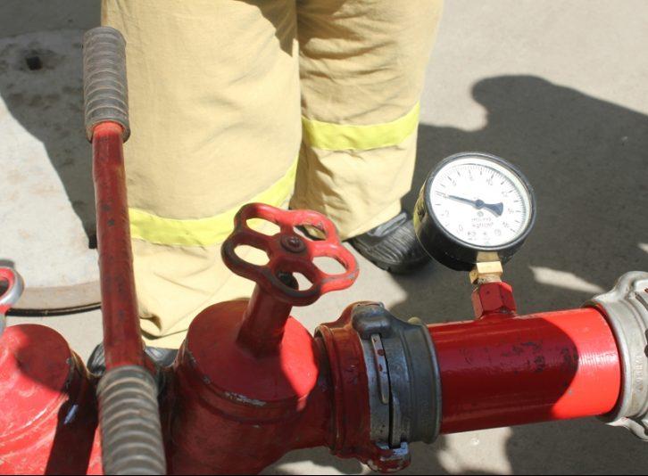 Испытание пожарной колонки
