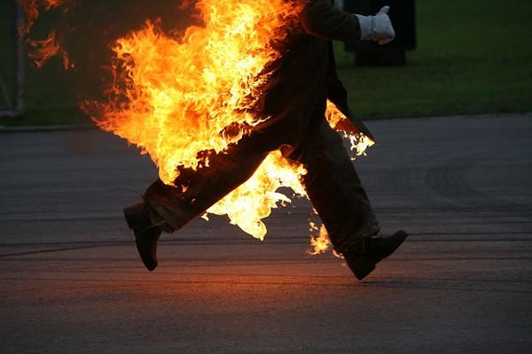 Загорелся человек