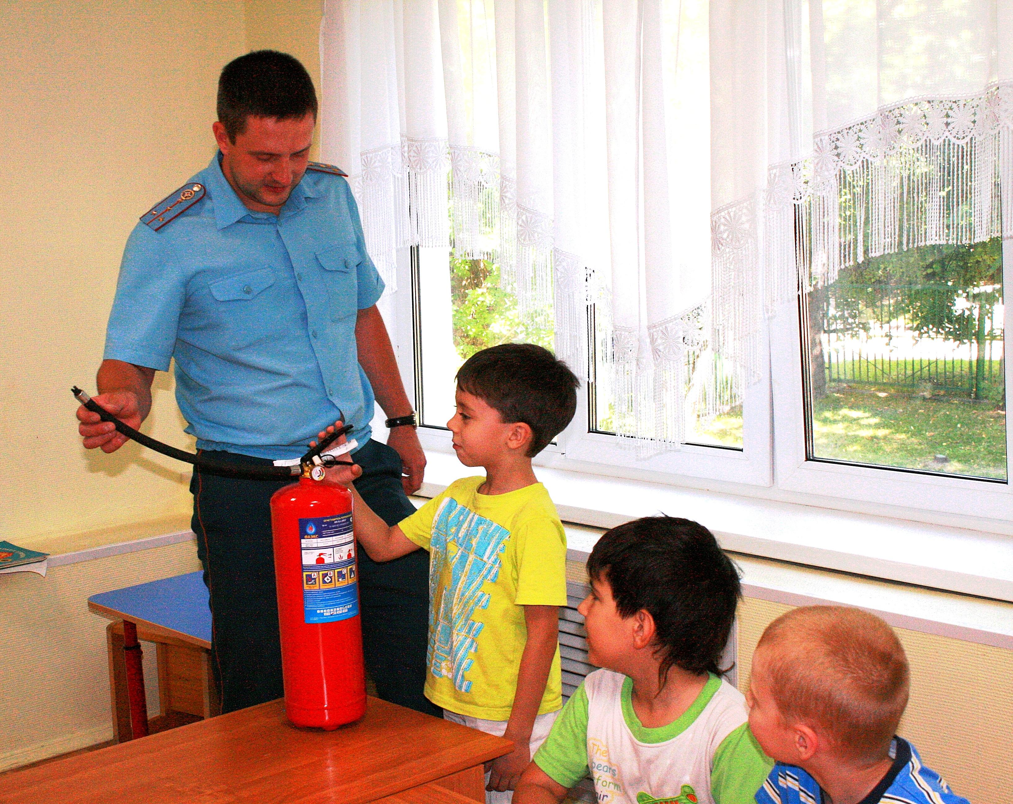 Работа пожарных с детьми по противопожарной подготовке