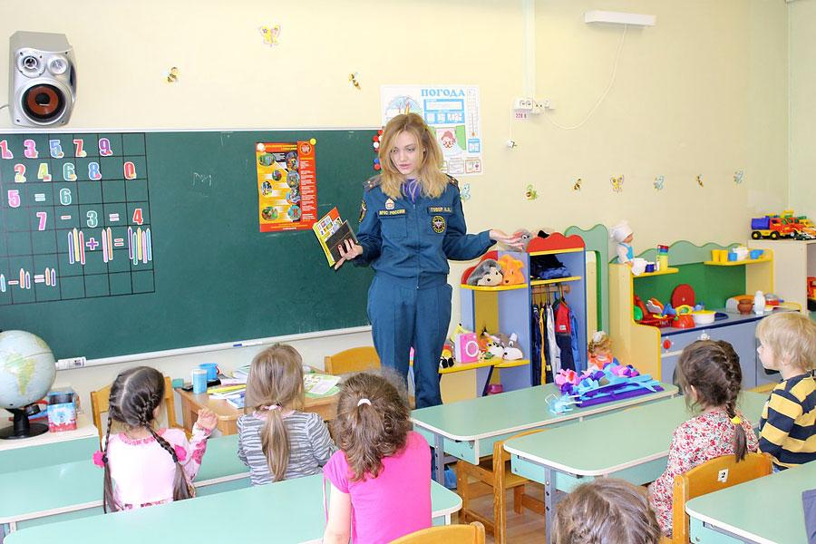 Работа пожарных инспекторов в начальной школе