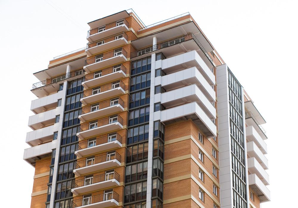 Дополнительные балконы и лоджии на верхних этажах