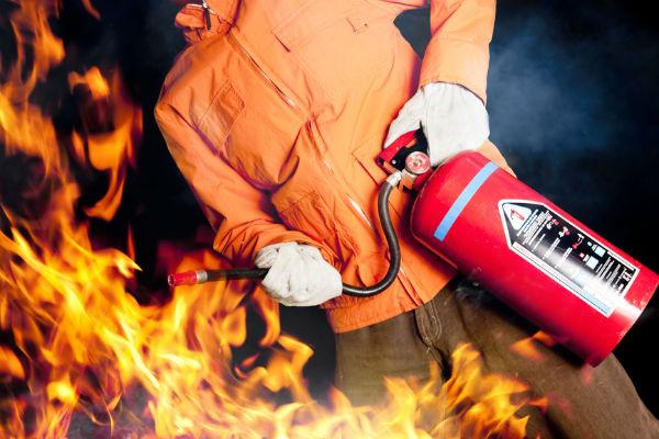 Локализация очага возгорания огнетушителем