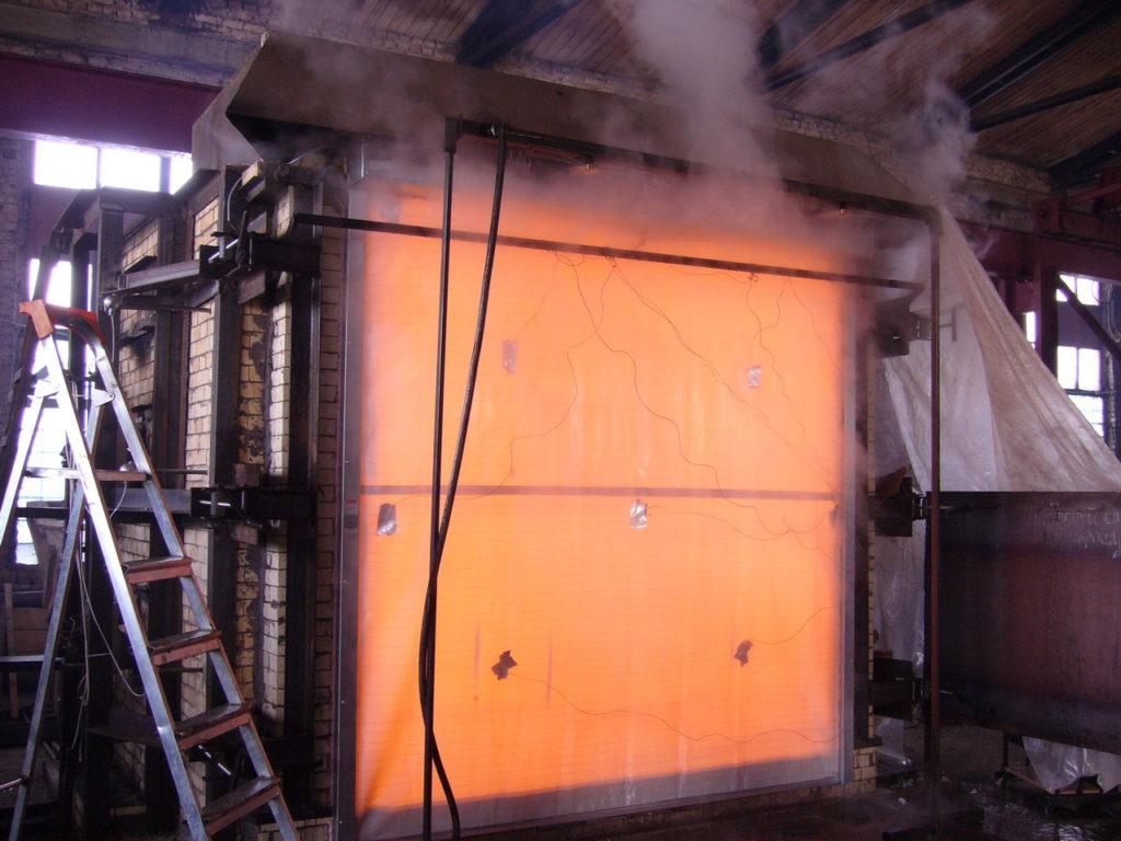 Тестирование противопожарных штор на огнестойкость
