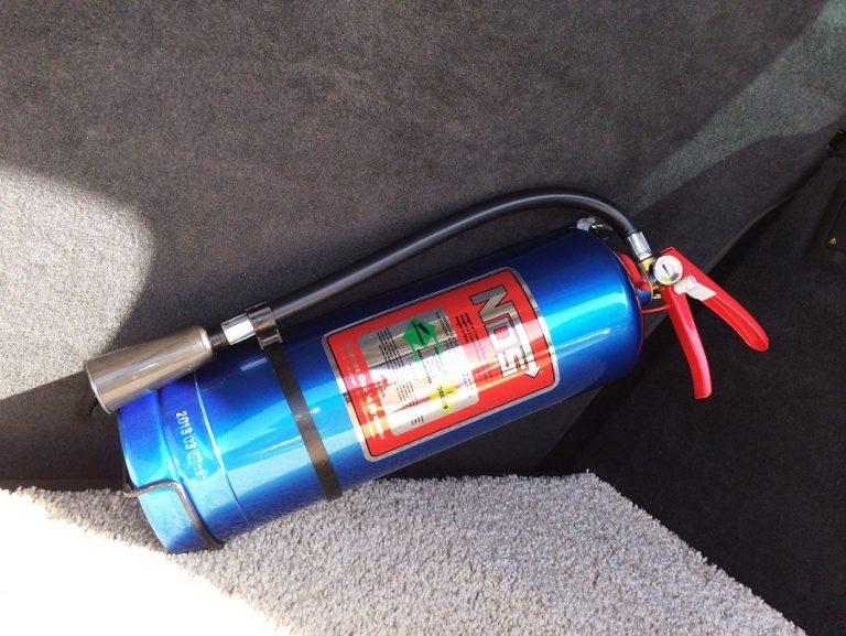 Огнетушитель углекислотный автомобильный