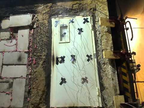 Испытание двери с частичным остеклением