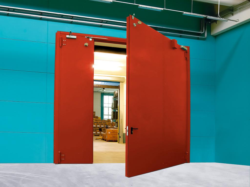 Дверь противопожарная на складе бумажной продукции