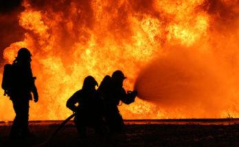 Работа ствольщиков для локализации пожара