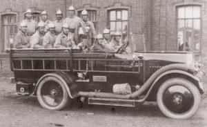 Пожарная команда на автомобиле 1920-1930 годы