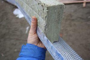 Мат из базальтовой ваты для термоизоляции металлической колонны