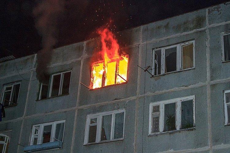 Длительное интенсивное нагревание изменяет структуру материалов и ослабляет конструкции