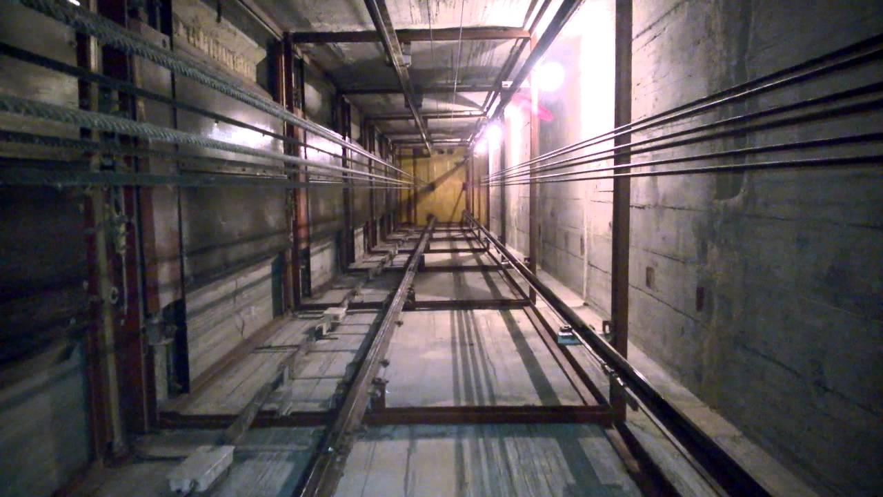 Каналы лифтов собираются из противопожарных перегородок