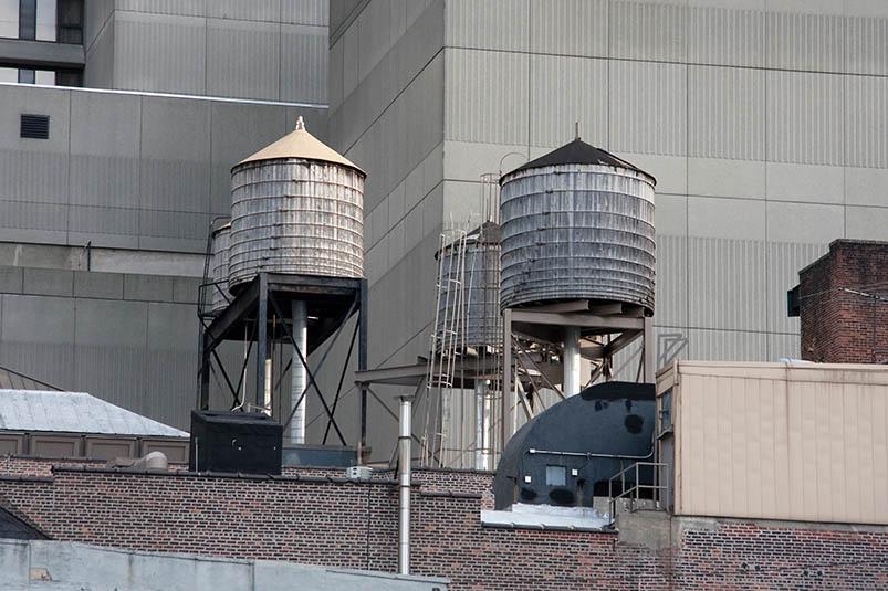Емкости на крыше