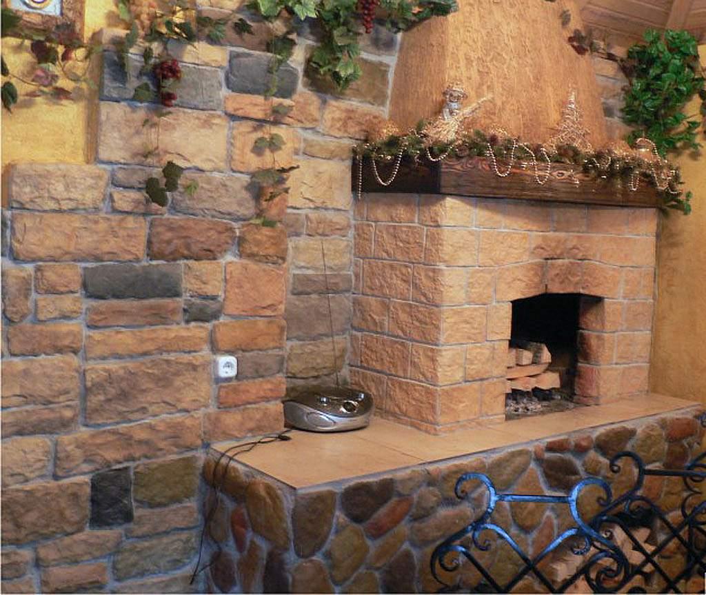 Термостойкая плитка стабильно выдерживает контакт с открытым огнем