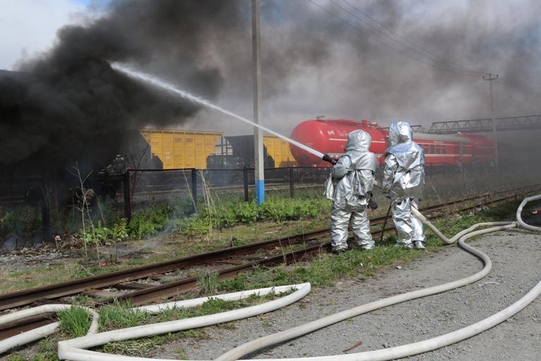 Ликвидация возгорания в железнодорожной инфраструктуре
