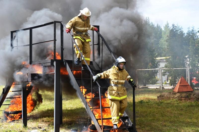 Пожарные ученья, приближенные к реальным условиям