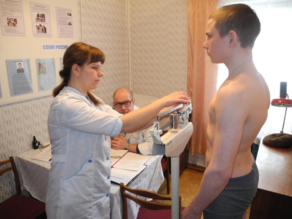 Перед вступительными экзаменами в колледжи кандидаты проходят медкомиссию