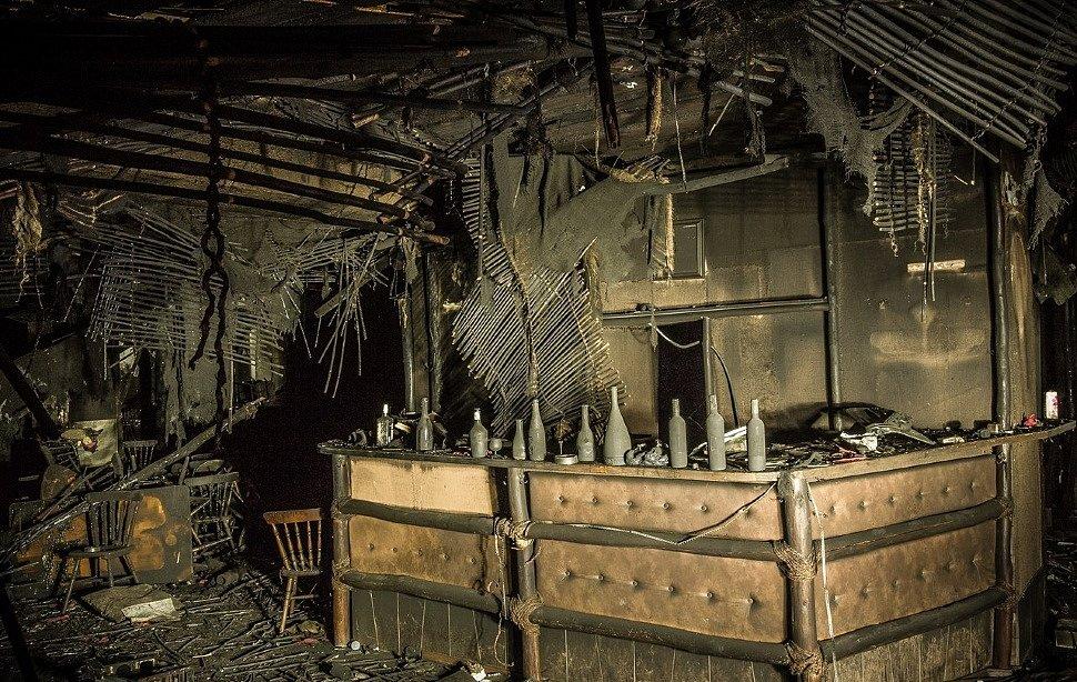 Внутренняя обстановка в клубе «Хромая лошадь» после пожара