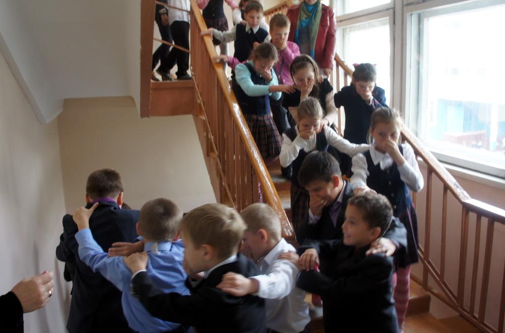 Эвакуация учащихся в школе