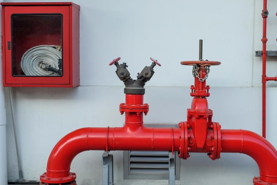 Пожарный кран и гидрант