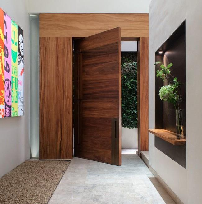 В частных жомах двери могут открываться в любую сторону