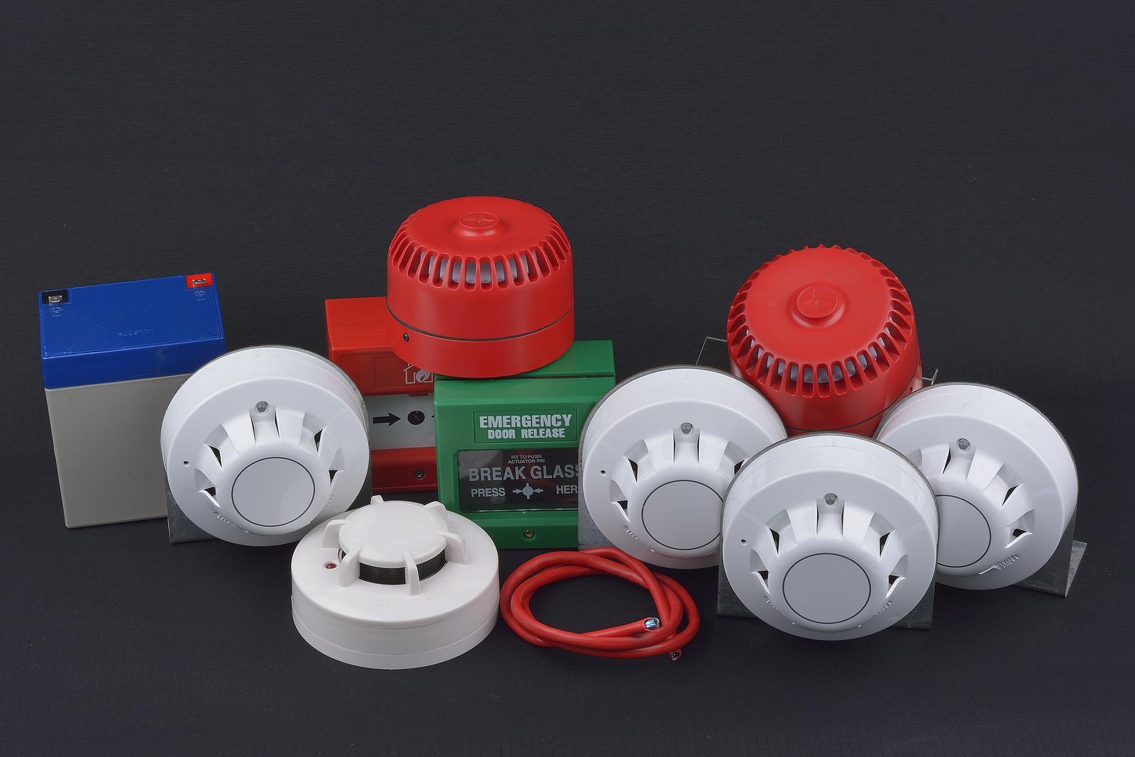 Разнообразие цветового оформления датчиков пожарной сигнализации